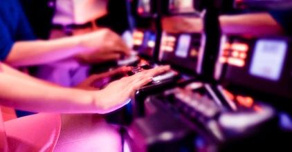Top Eight Tips To Better A Better Online Casino Player
